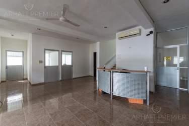 Fotografía 1 de Se renta espacio con 7 oficinas y más. ¡Sobre avenida!
