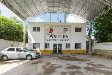 Fotografía 5 de Se renta espacio con 7 oficinas y más. ¡Sobre avenida!