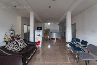 Fotografía 6 de Se renta espacio con 7 oficinas y más. ¡Sobre avenida!