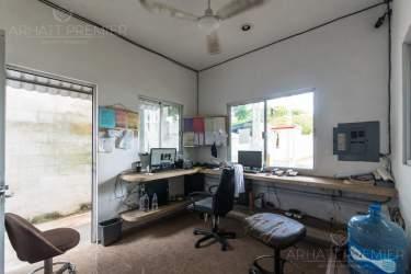 Fotografía 8 de Se renta espacio con 7 oficinas y más. ¡Sobre avenida!