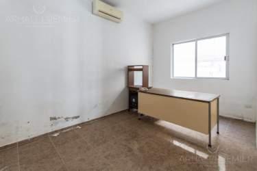 Fotografía 14 de Se renta espacio con 7 oficinas y más. ¡Sobre avenida!