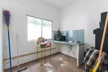 Fotografía 15 de Se renta espacio con 7 oficinas y más. ¡Sobre avenida!