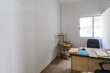 Fotografía 13 de Se renta espacio con 7 oficinas y más. ¡Sobre avenida!