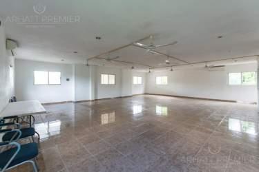 Fotografía 18 de Se renta espacio con 7 oficinas y más. ¡Sobre avenida!