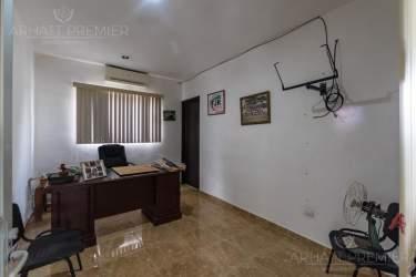 Fotografía 20 de Se renta espacio con 7 oficinas y más. ¡Sobre avenida!