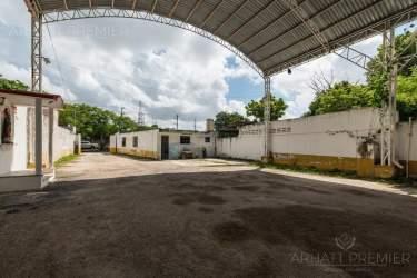 Fotografía 28 de Se renta espacio con 7 oficinas y más. ¡Sobre avenida!